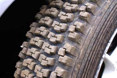 tire200120