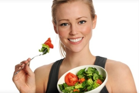 girl-eating-salad