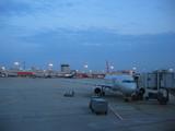 夜明けのアトランタ空港