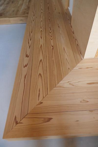 古希杉浮き造りフローリング