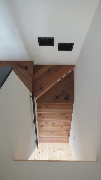 杉無垢一枚物ストリップ階段 6
