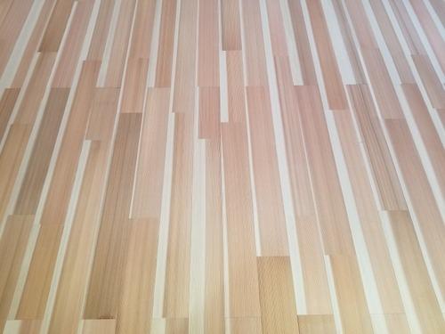 高樹齢! 百年杉柾浮造り(うづくり)無垢フローリング 個室施工 4