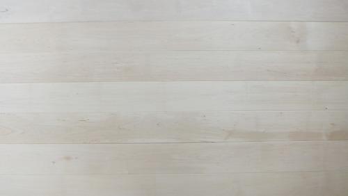 白樺(シラカバ)幅広無垢一枚物フローリング 1