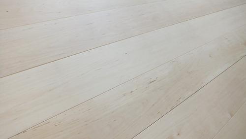 白樺(シラカバ)幅広無垢一枚物フローリング 5