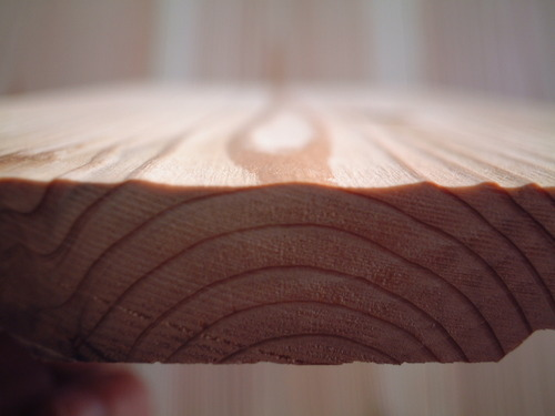 杉板目浮造り木口より拡大