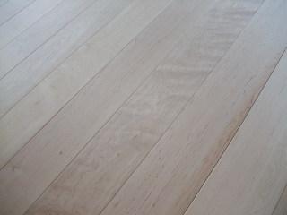 板屋楓(メープル)薄板無垢フローリング 2