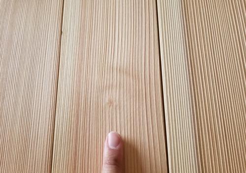 高樹齢! 百年杉柾浮造りフローリング 15
