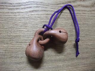 イスの木 鈴