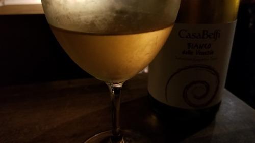 オレンジワインと杉板 3