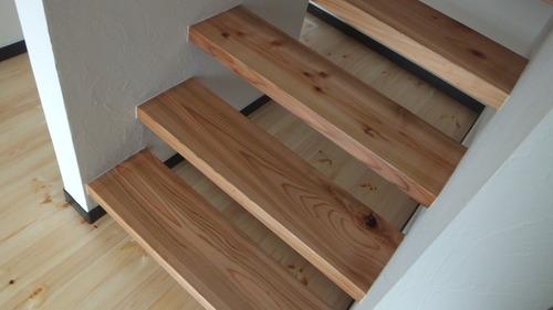 杉無垢一枚物ストリップ階段 2