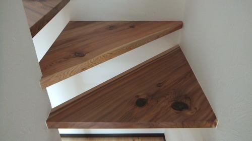 杉無垢一枚物ストリップ階段 9