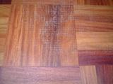 カリン単板貼り合板フローリング 汚れの沈着