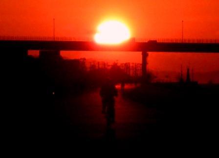 むくみ、夕日画像03