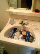 地震直後の洗面台