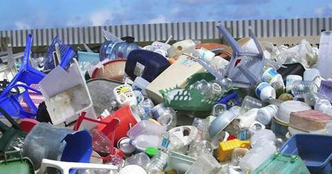 pプラスチックごみ