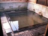 「野沢温泉」松葉の湯の浴槽