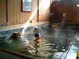 「野沢温泉」大湯の浴槽