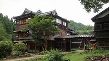 越後長野温泉「嵐渓荘」・山の湯への渡り廊下