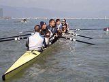 クラブ員6人+コックスで漕いで帰りました。