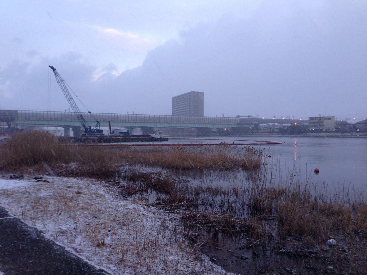 新幹線橋下流の堆積土砂除去工事