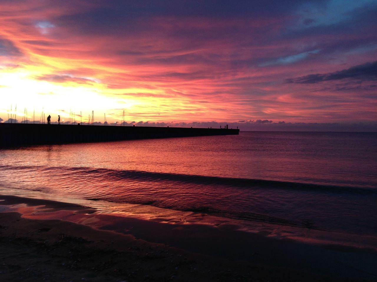 阿漕浦海岸の夜明け
