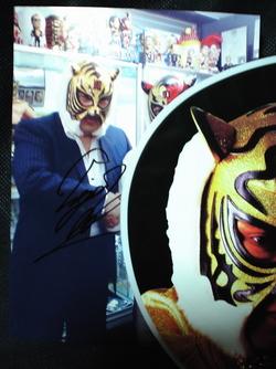 初代タイガーマスク ツーショット写真サイン