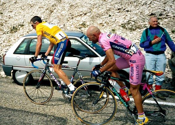 marco-pantani-lance-armstrong-mont-ventoux-tour-de-france-2000