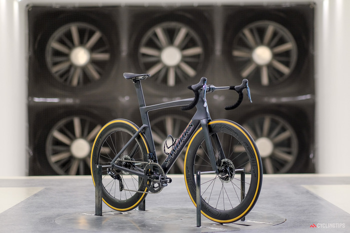 Specialized-Venge-2018-1-of-1-2