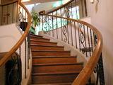 オーベルジュ、2階に行く階段