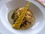 帆立貝とつぶ貝のキノコのソース