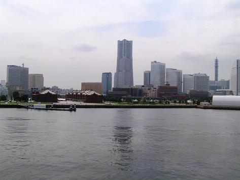 大桟橋から眺めた、みなとみらい横浜