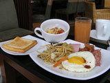 無秩序な主人の朝食