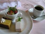 デザート、〆て2800円のコース