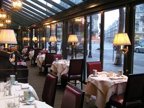 私達のホテルの「カフェ・ド・ラペ」