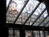 朝のカフェ・ド・ラペのテラス席