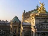 4つある窓からの景色、オペラ座