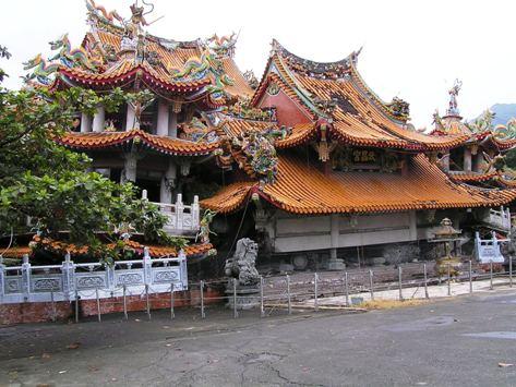 地震で倒れた武昌宮