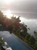 朝日の日月潭