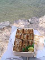 宮島で食べる「うえの」のアナゴ弁当