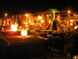 砂漠の レストラン 中の様子