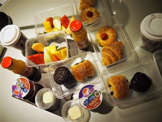 お部屋の朝食ボックス