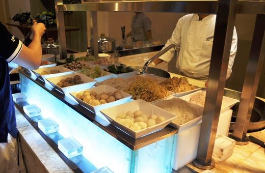 麺のカウンター