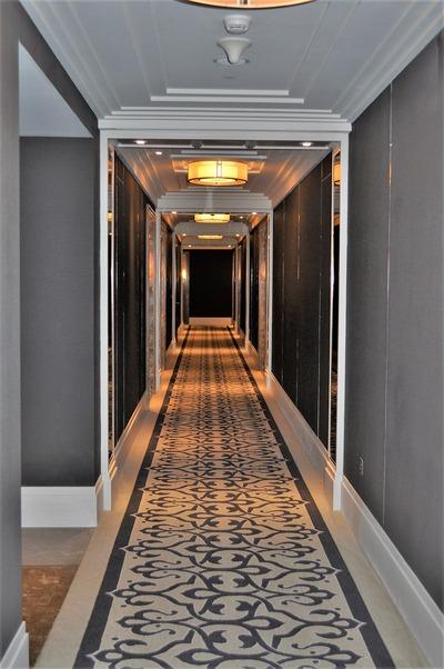 お部屋に向かう廊下