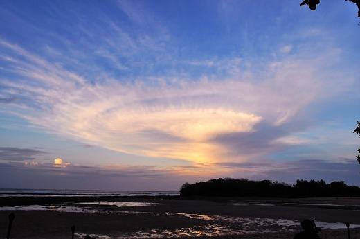 ヌサドゥアの奇妙な雲