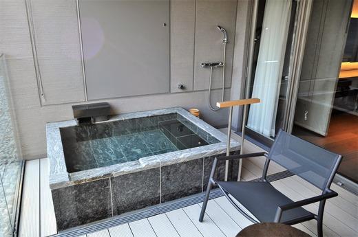 テラスの露天風呂