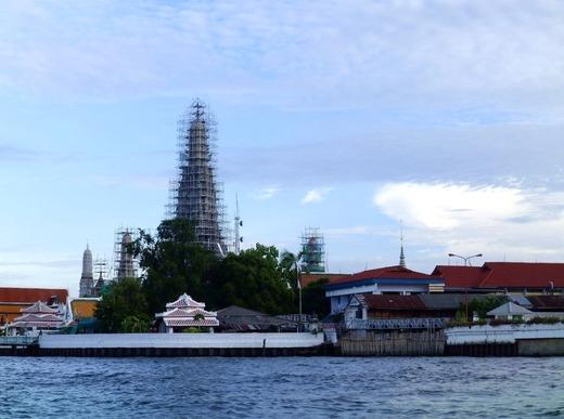 修復中 暁の寺