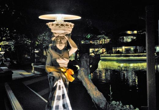 ラグーナリゾート夜のお庭