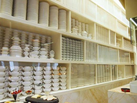 食器のディスプレー棚