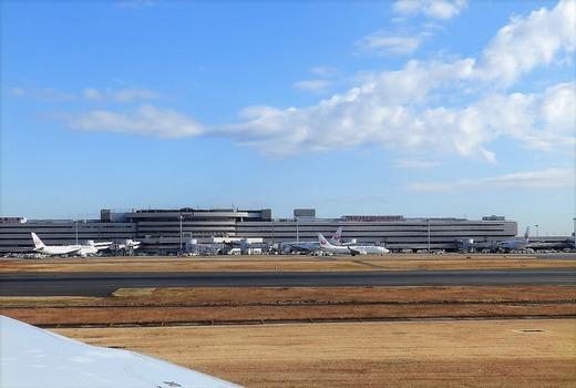 良いお天気の羽田空港