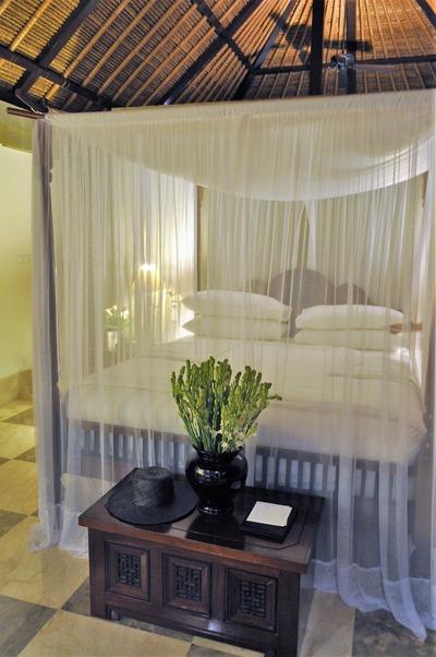 夜のアマヌサ ベッド